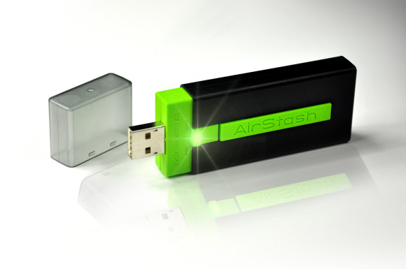 AirStash  02 580x385 AirStash: unità flash e media streamer in un pendrive!