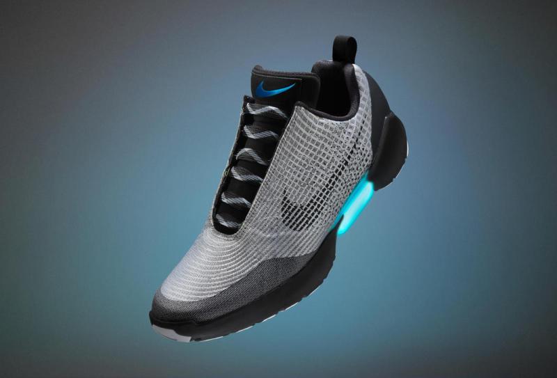 Nike HyperAdapt 1.0: la scarpa che si allaccia da sola sarà  tuFmRb